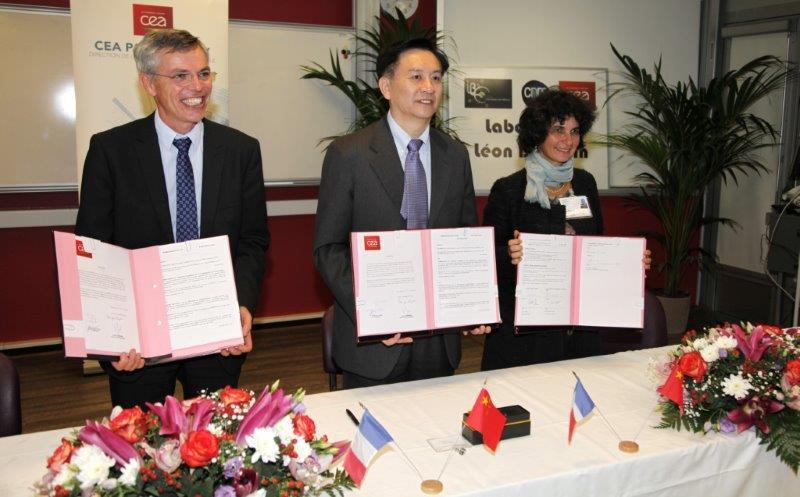 Signature d'un MoU entre l'Université Jiao Tong de Shanghai et le LLB sur