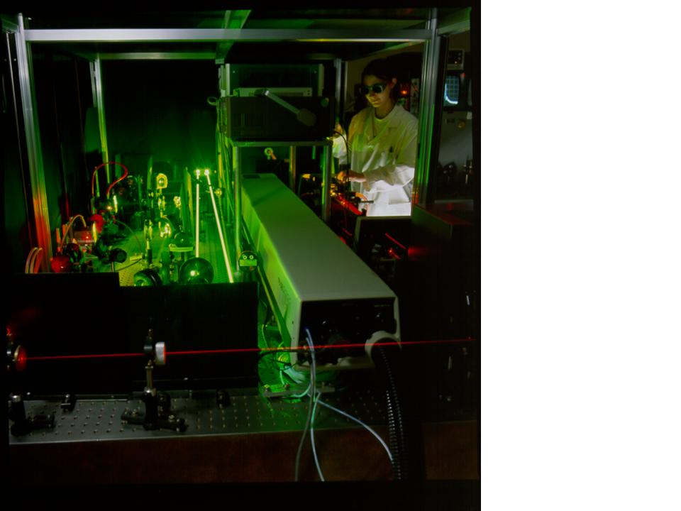 marianne forest tunes the oscillator of the picosecond dye laser system the amplifiers are on the left nowadays the dye laser systems have been replaced - Laser Colorant Puls