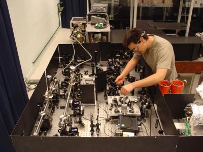 Sub-10fs laser pulse generation