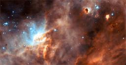 A la recherche de l'origine de la vie : irradiation de glaces d'intérêt astrophysique