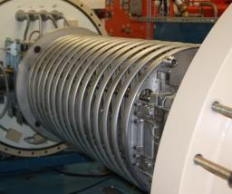 Inauguration de l'accélérateur d'électrons du projet Sirius