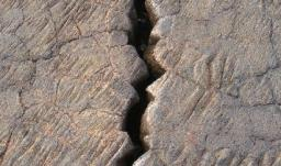 Les intermittences de la fracture